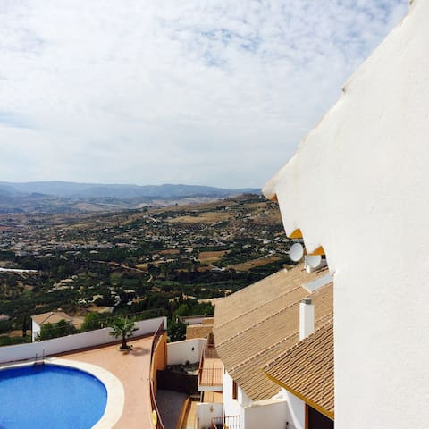 Quiet penthouse incredible views - Alcaucín - Appartement
