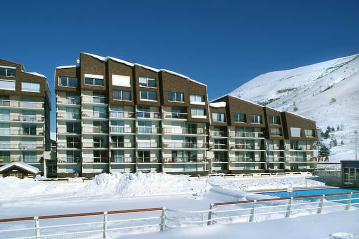Appart au Pied des Pistes et 3 minutes de l'ESF | Local à Skis + Parking Extérieur Privé