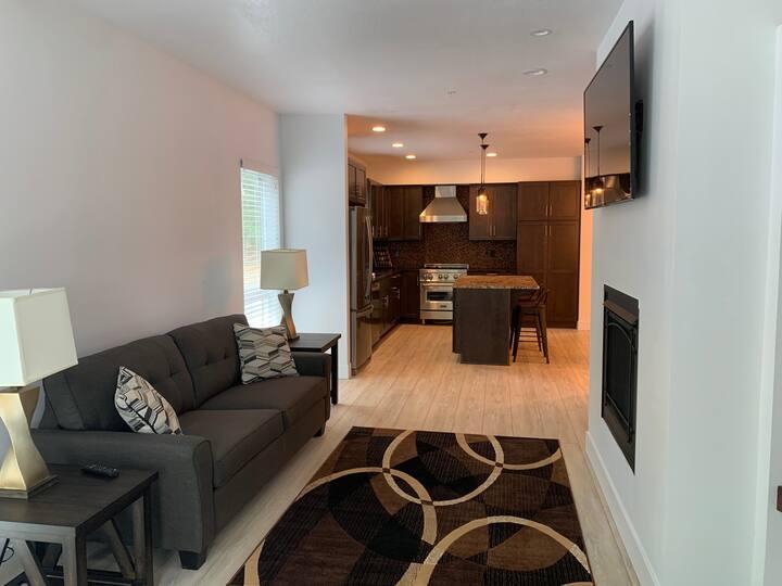 Deerhaven Apartment B