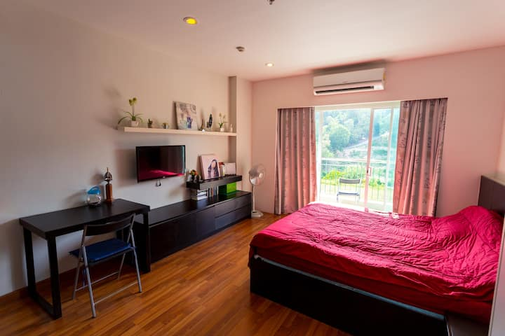Peaceful studio apartment in Phuket Town