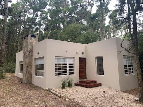 Hermosa casa en el bosque de Mar de las Pampas!!!