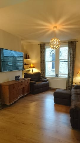 Fully fitted apartment in the heart of Uppermill.
