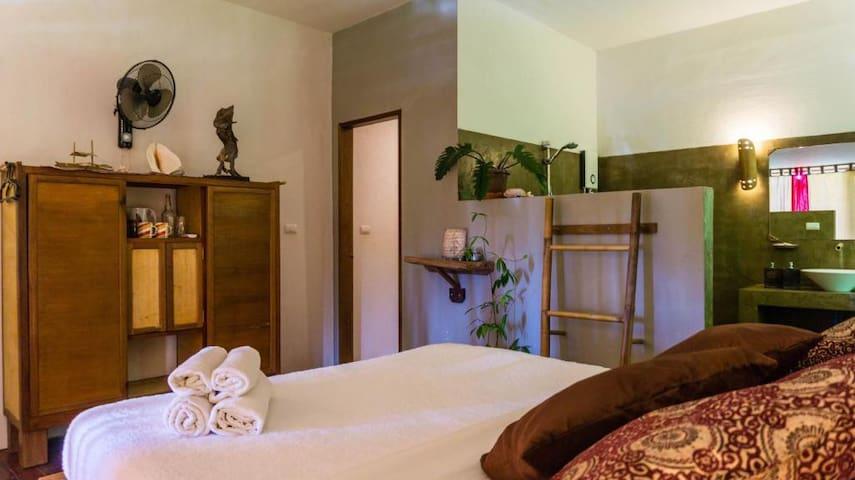 Ravishing Room at the Blue Mango