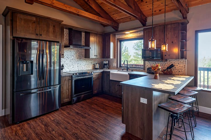 The Tahoe at Three Pines Remodeled w/new Furniture
