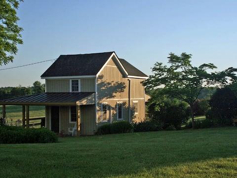 AJ's House: Beautiful, Cozy, Renovated! 125/nt