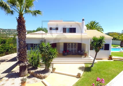 SUPERB 5 BED VILLA, W/ HEATED POOL, GAMES ROOM - Almancil