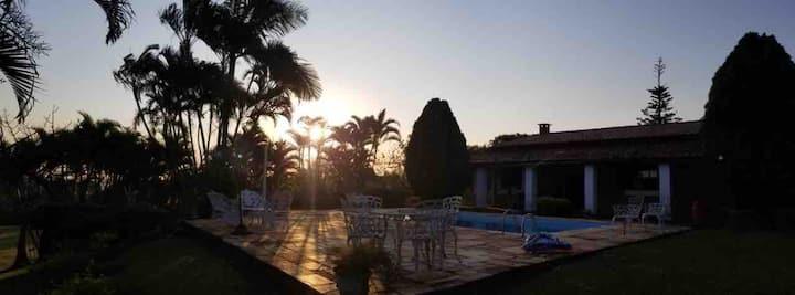 Chácara em Mairinque com o mais lindo pôr do sol!