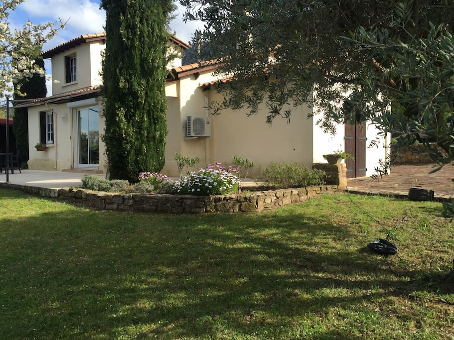 Maison avec vue sur le lac kayak disponible houses for rent in liausson occitanie france - Maison avec vue lac lands end ...