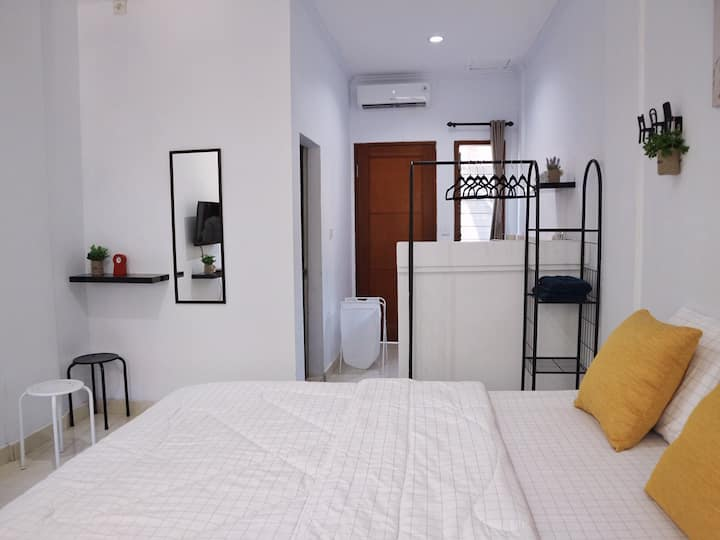 DA Inn - Walking distance to Seminyak Beach!