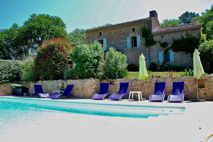 Les Ferouailles, Gite Périgord Noir,piscine privée