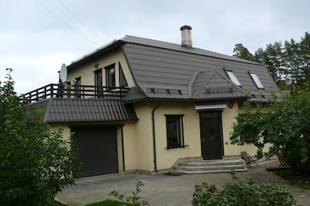 Уютный дом у моря + сад