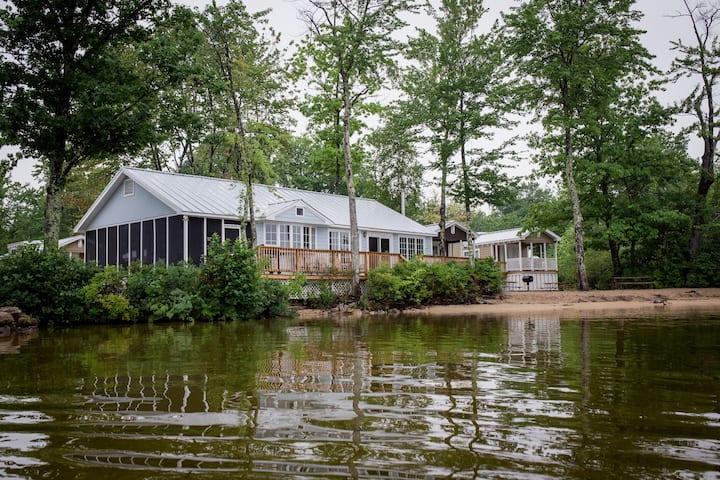 Shorepointe Cottage