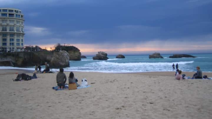 Superbe vue grande plage, hyper centre Biarritz
