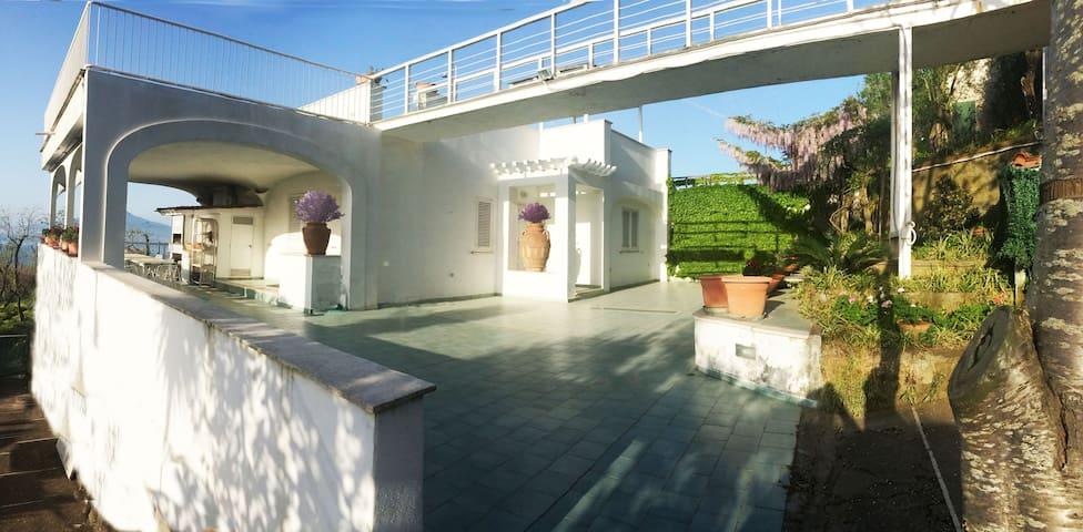 Sorrento Apartments - Priora - Casa de campo
