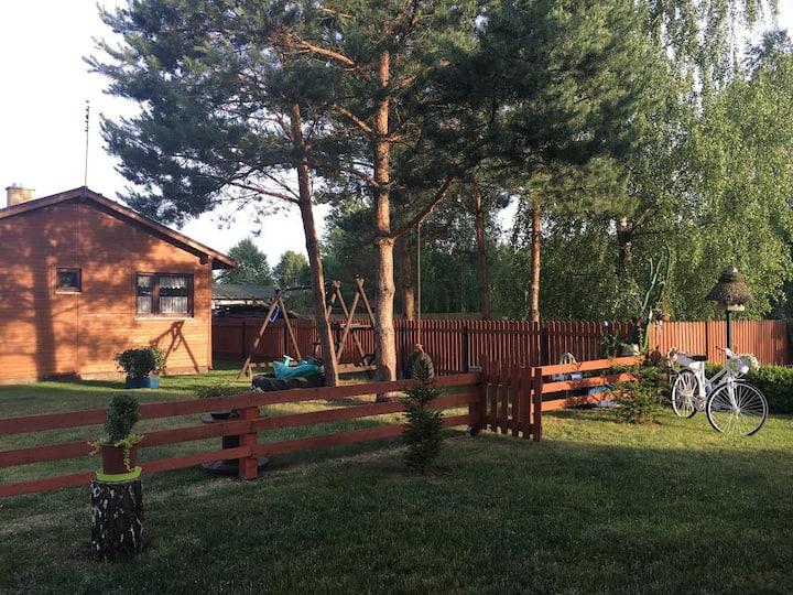 Domek w pięknych okolicznościach jeziora Blizno 2