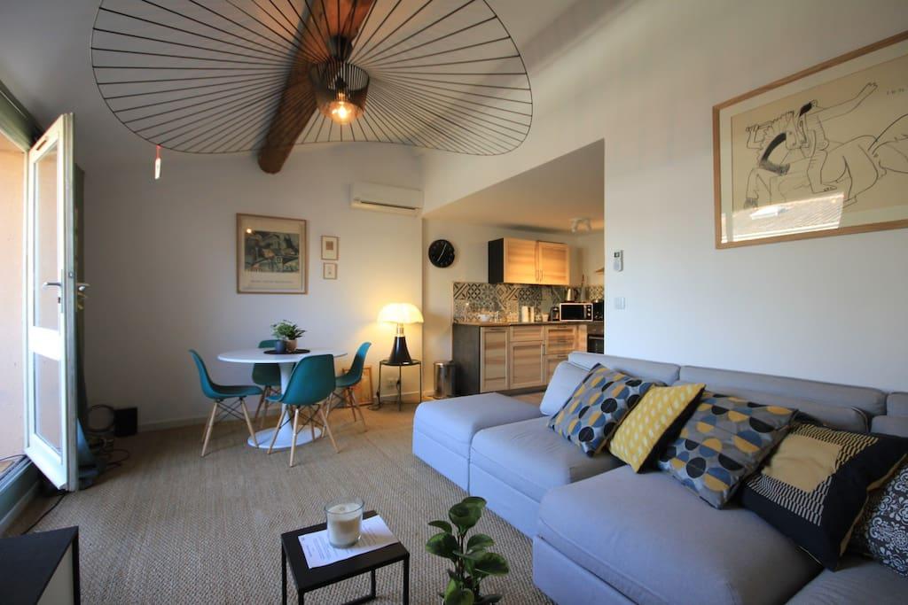 appartement avignon centre wifi clim terrasse appartements louer avignon provence. Black Bedroom Furniture Sets. Home Design Ideas