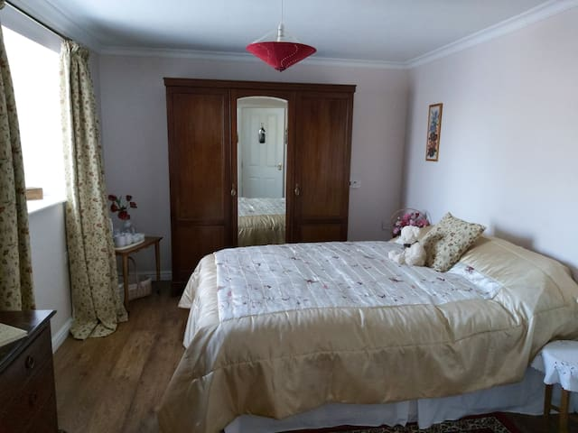 Homely bed and breakfast in Mid Devon Bedroom 1