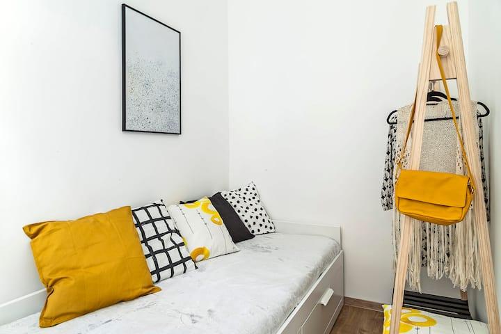 Brand new lovely ROOM in the heart of Budapest (1)