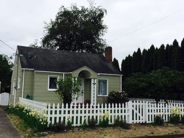 One mile to State Fair! - Puyallup - House