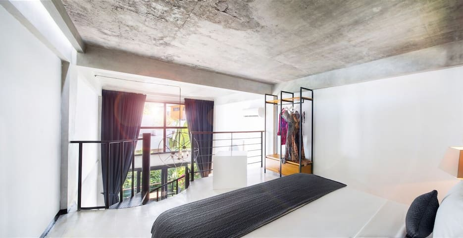 """""""The apartment is great and exactly as pictured. Superb location as beach and restaurants are within walking distance!"""" – Gabrielle [December 2019]"""