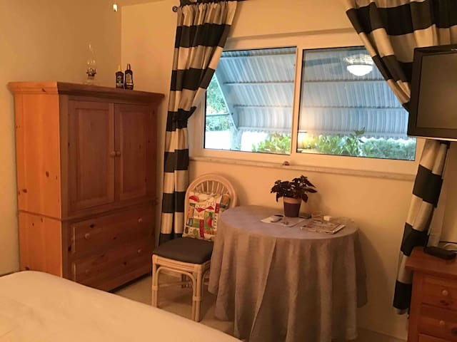 double bedm possible shared bath I mile to beach
