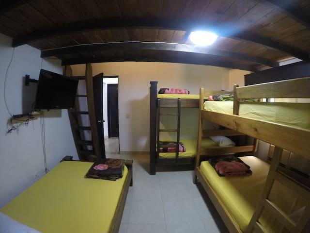 finca-hotel mansión del lago alquila habitación