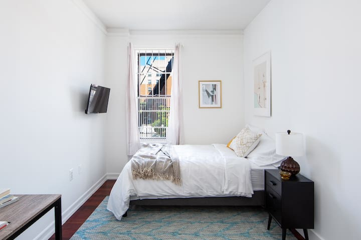 City living Private RB in the Heart of Harlem! 3B-1