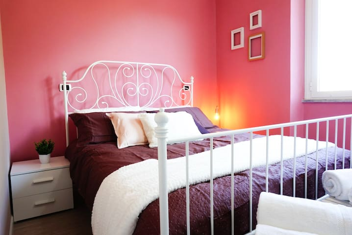 Beautiful Room in Villa Aurelia, Seafront B&B