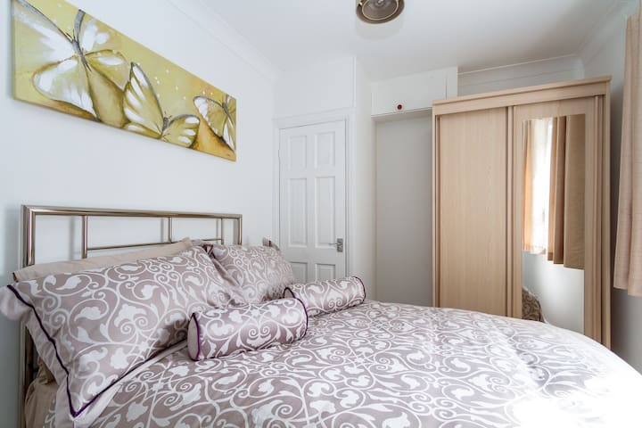 Luxury 2 Bed Apartment In The Heart Of Cardiff - Cardiff - Apartment