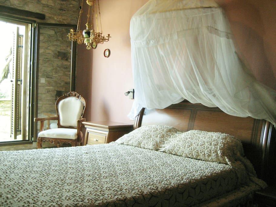 Our House, Guestroom Kellari sleeps 2, ensuite