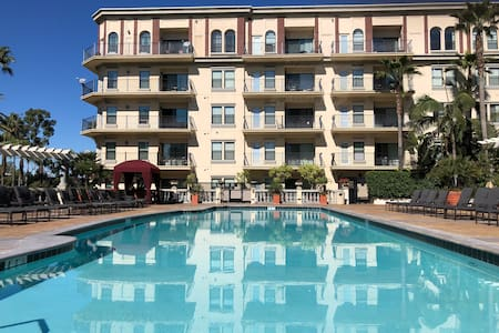 A NEW LUXURY*APARTMENT*DTLA*FREE PARKING*POOL*BRBQ