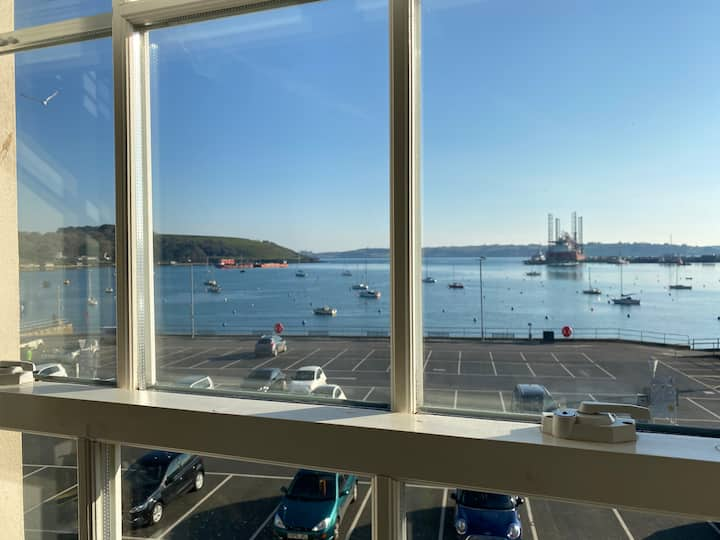 Harbourside Heart of Falmouth - Incredible Views!
