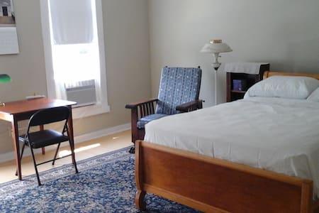Comfort Room #1