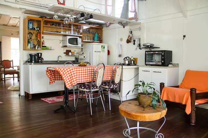 Cosy wooden house in  excelent neigbourhood