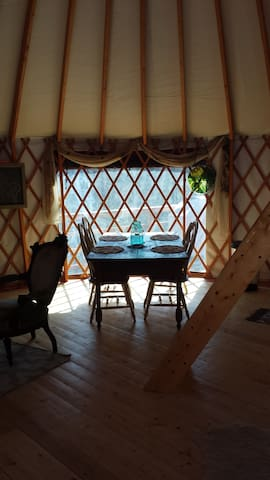 Yurt in the Mountains - Middlesex - Bungalov