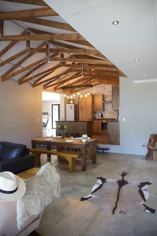 CLOSE to Beach- Family Home Hersham - Groot Brakrivier - House