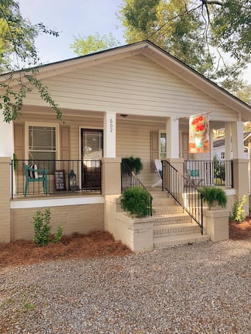 Cottage on 10th Downtown Rome 31 Days $1200