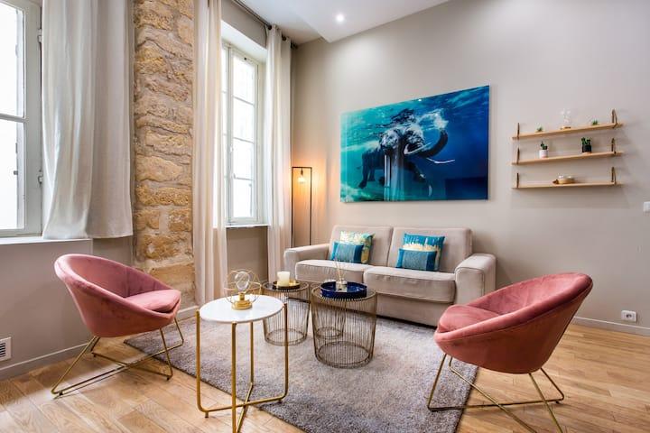 Luxury loft in the heart of the marais