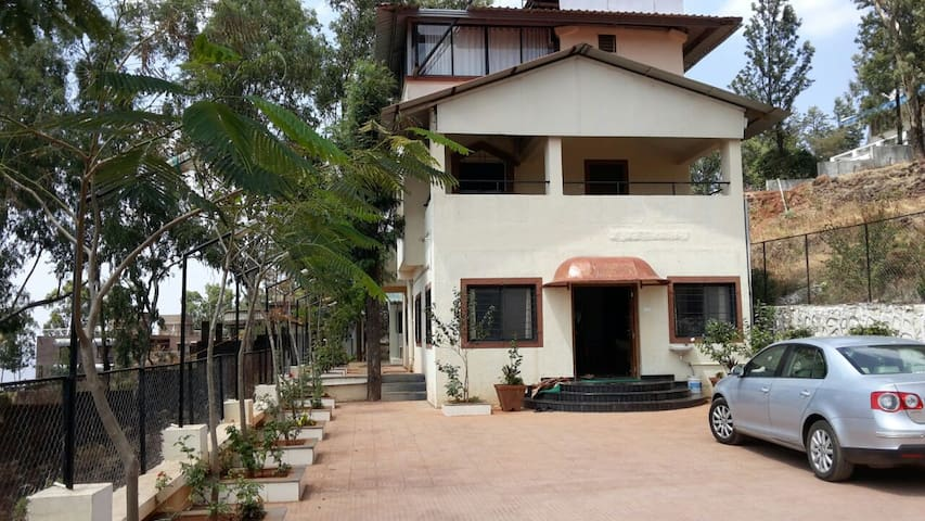 Casa Valley : 4 bhk bungalow with valley view - Satara - Vila