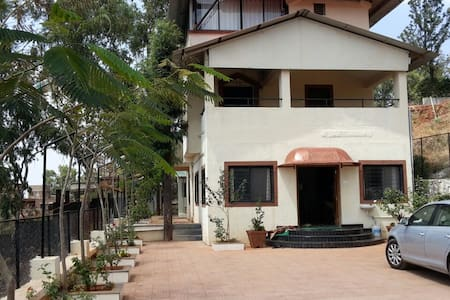 Casa Valley : 4 bhk bungalow with valley view - Satara