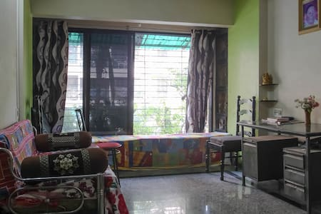 Neat & Clean Entire 1 BHK Flat - Lakás