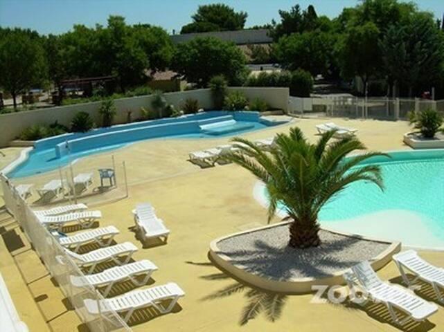 bungalow 5 personnes avec spa et piscine - Gallargues-le-Montueux - Bungalow