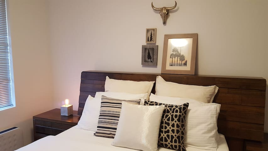 A cosy place to stay! Explore Northern Suburbs