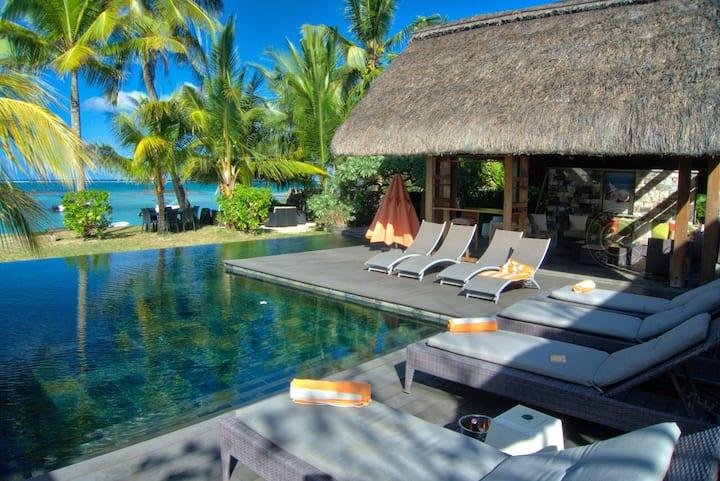 SEA 3BR luxurious villa on Belle Mare beach