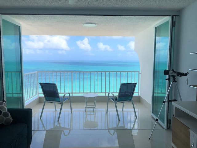 Sandy Paradise, 20th floor beachfront apartment