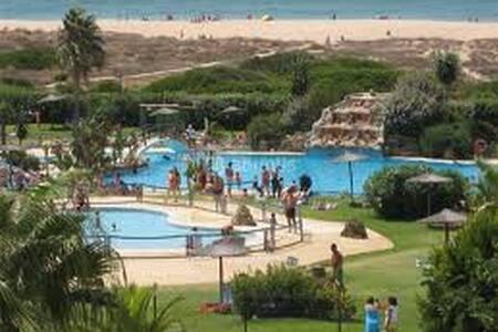 Apartamento en Urbanización Atlanterra Playa - Zahara de los Atunes - Leilighet