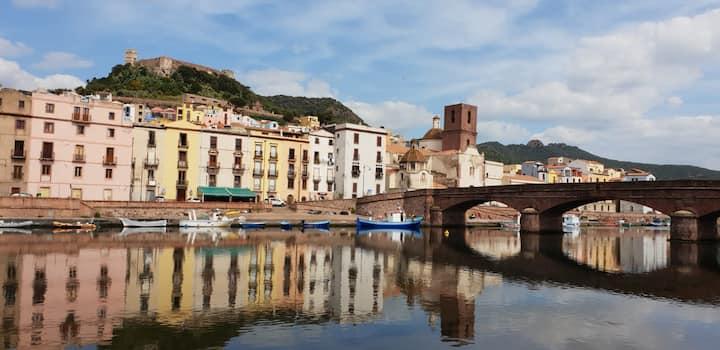Spazioso e luminoso appartamento a Bosa  Sardegna!
