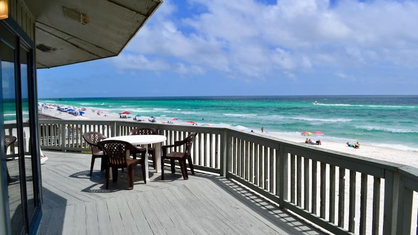 Panorama - Upper - Beautiful Beachfront Home!