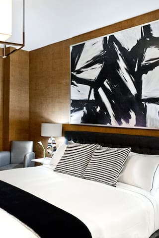 Ameritania Hotel, Standard 1 Queen