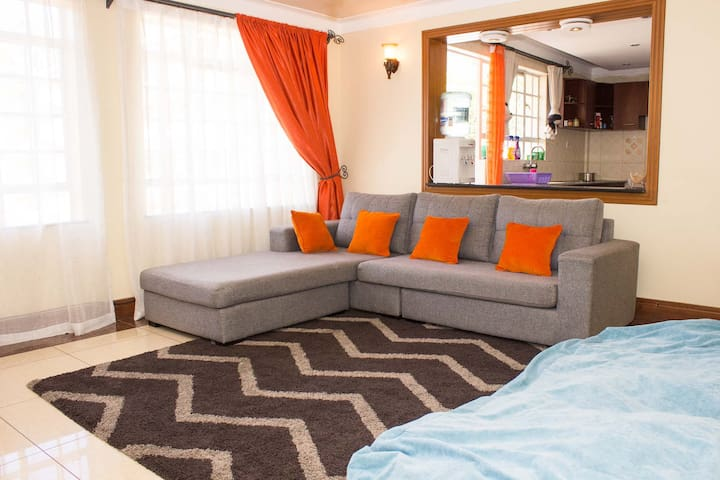 Lovely Uptown Apartment, Westlands